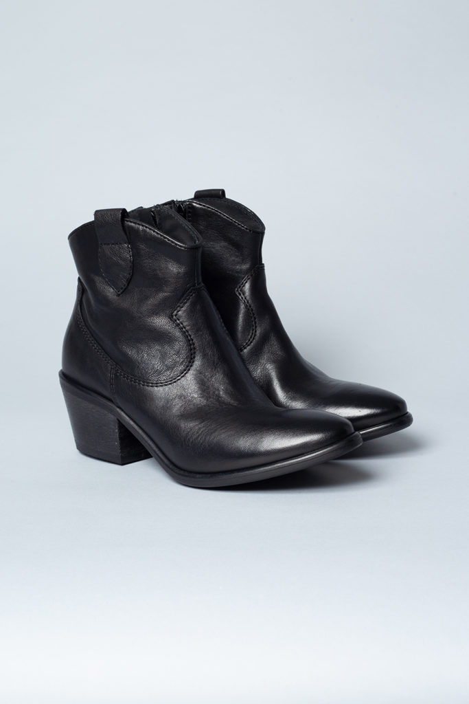CPH116 cow leather black